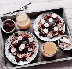 Find images and videos about food, goals and chocolate on We Heart It - the app to get lost in what you love. I Love Food, Good Food, Yummy Food, Food Porn, Food Goals, Snacks, Aesthetic Food, Diy Food, Junk Food