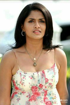 Sunaina Beautiful Hot HD Photoshoot Stills & Mobile Wallpapers HD South Indian Actress, Beautiful Indian Actress, Beautiful Women, Simply Beautiful, Hot Actresses, Indian Actresses, Spicy Image, Thing 1, Cute Beauty
