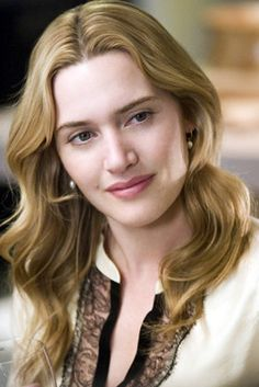 Kate Winslet - light honey blond - I like this colour. Also a picture of kate winslet is always a good idea. Kate Winslet, British Actresses, Hollywood Actresses, Beautiful Celebrities, Most Beautiful Women, Beautiful People, Divas, Celebrity Pictures, Sensual