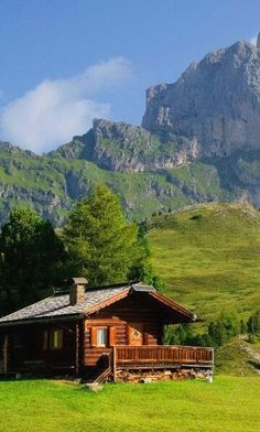 Peaceful #cabin Cabins In The Woods, House In The Woods, Cabins In The Mountains, Log Cabin Homes, Log Cabins, Little Cabin, Mountain Homes, Cabins And Cottages, Cozy Cabin