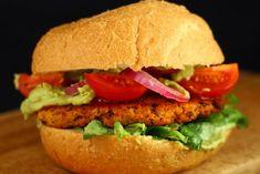 Chiftele de linte si conopida intr-un burger vegan