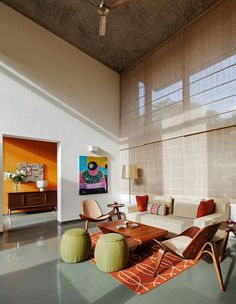 This Bangalore House Featuring Mid-Century Classics Furniture and Contemporary Art , - contemporary Rugs - Indian Living Rooms Indian Living Rooms, Home Living Room, Living Room Designs, Living Room Decor, Interior Exterior, Home Interior Design, Interior Architecture, Interior Photo, Interior Ideas