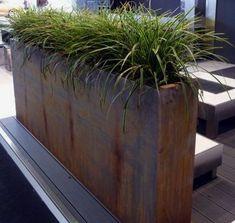 Cotten planter on the deck Outdoor Corten steel planter provides privacy and art for landscaped gardens – – Garten Ideen Large Garden Planters, Outdoor Planters, Garden Pots, Outdoor Gardens, Outdoor Art, Corten Steel Planters, Metal Planters, Jardiniere Design, Landscape Design