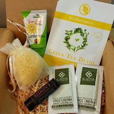 Bits and Boxes: Bare Bliss Box May 2015 Review