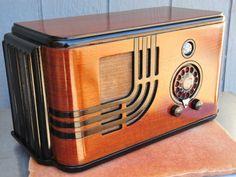 Eye Tube Airline Teledial 1938 Deco Styled AM Radio