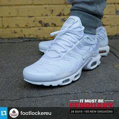 sale retailer 4a3b7 1212d Nike Tuned Air Triple White