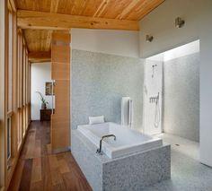 Salle de bain originale en mosaïque grise
