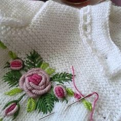 visual result related to zuhal karaman - bebe - Silk Ribbon Embroidery, Crewel Embroidery, Baby Knitting Patterns, Bordado Popular, Embroidery Designs, Diy Crafts Knitting, Diy Bebe, Baby Pullover, Brazilian Embroidery