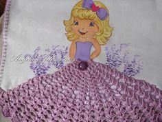 pano de prato boneca saia lilás em croche