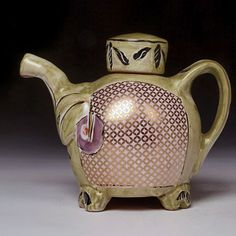 Posey Bacopoulos tea pot {^V^} Pottery Teapots, Teapots And Cups, Ceramic Teapots, Ceramic Art, Chocolate Pots, Chocolate Coffee, Cute Teapot, Tea Bowls, Tea Pot