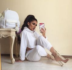 The hip hop way of life have also been the initiator of swag into this consistent shifting design and style conscience entire world. Swag Outfits, Mode Outfits, Fashion Outfits, Womens Fashion, Fashion Trends, Chill Outfits, Fashion Heels, Classy Outfits, Sleepwear & Loungewear