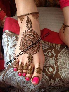 Mehendi Mehndi Designs Feet, Hena Designs, Legs Mehndi Design, Wedding Mehndi Designs, Henna Designs Easy, Beautiful Henna Designs, Beautiful Mehndi, Leg Mehndi, Leg Henna