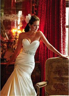 Delicate Satin Sweetheart Neckline Trumpet Wedding Dress With Beaded Lace Appliques