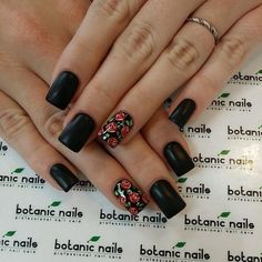 Matte black flowers on accent nail #nails #nailart #square - bellashoot.com