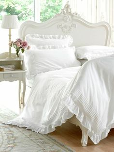 Romantic bedding set in thousand pictures! Serene Bedroom, Bedroom Bed Design, Beautiful Bedrooms, Bedroom Decor, Bedroom Furniture, Master Bedroom, Romantic Bedding Sets, Romantic Room, Shabby Chic Bedrooms