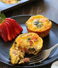There are plenty of options for high-protein breakfasts you can make in a muffin tin: egg cups, quiches, baked oatmeal, and of course, muffins. Muffin Tin Quiche, Muffin Tin Breakfast, Quiche Muffins, High Protein Breakfast, Eggs And Sweet Potato, Sweet Potato Muffins, High Protein Recipes, Protein Foods, Mini Quiche Recipes