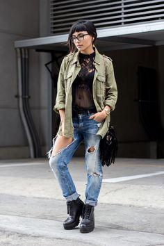 #Lima #Peru #Perou #fashion #mode #moda #outfit #feminine #woman #denim #jeans #heels #style #elegance #grunge #pants #holes #riped #off #lace #black #sexy