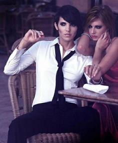 A general spam of mainly lesbian and other various LGBT orientated news/photos/songs/media. Androgynous Women, Androgynous Fashion, Queer Fashion, Tomboy Fashion, Lesbian Photography, Lgbt, Pink Taco, Boyish Girl, Lesbian Love