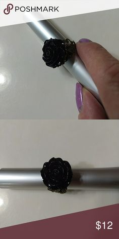 *Surprise sale* Closet clean out Gothic rose ring Black rose with bronze Jewelry Rings