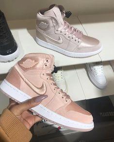 ca68705612 A(z) Világítos cipők nevű tábla 18 legjobb képe   Casual Shoes ...