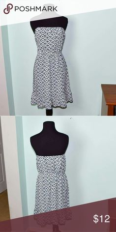 Adorable Black & White Strapless Dress In excellent condition! Very cute, comfortable, and lightweight! Buy 3 items and get 1 free plus 15% off your purchase total! Dresses Strapless