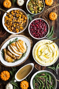 I've put together an easy Paleo Thanksgiving Dinner Menu this year with extra inspiration for recipes for sides and desserts with make ahead tips as well! Thanksgiving Dinner Menu, Paleo Thanksgiving, Friendsgiving Ideas, Paleo Recipes, Real Food Recipes, Free Recipes, Green Beans With Bacon, Cooking Turkey, How To Cook Pasta