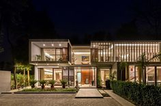 Wooden Slats, Glass Walls and Modern Grandeur: Gallery House in India – Media Room İdeas 2020 Architecture Résidentielle, Contemporary Architecture, Villa Design, House Front Design, Modern House Design, Conception Villa, Small Media Rooms, India House, House Elevation