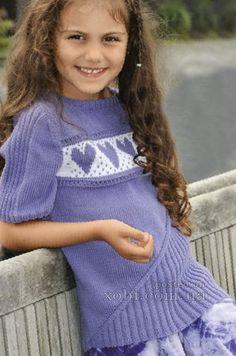 пуловер с сердечками для девочки
