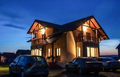 Pentru un scurt sejur sau o vacanţã îndelungatã, Vila Nobila este locul ideal în care împreunã cu familia sau grupul de prieteni va puteti relaxa si petrece clipe de neuitat. Vila NOBILA (2014) este cea mai apropiata vila de complexul Baile Figa (400 m).
