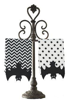Mud Pie Bat Fingertip Towels (Set of 2)