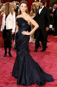 Penelope Cruz: Custom made by Karl Largerfield. One of my all time favourite Oscar Dresses.