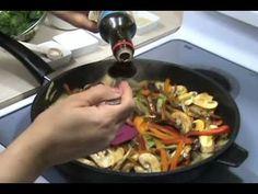 طريقه عمل نودل بالخضار و اللحمه  How to make Stir Frying Noodles