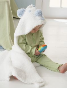 Knit Cub Hooded Blanket - Free Pattern | Yarnspirations
