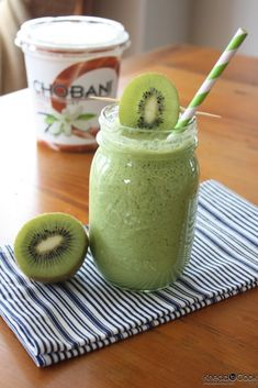 1 cup of vanilla almond milk 1/4 cup of vanilla Chobani 2 kiwis, peeled 10 green grapes 1 Apple, cored, skin on 1 giant handful of baby spinach leaves 1 teaspoon chia seeds (optional) 1 banana 10 ice cubes