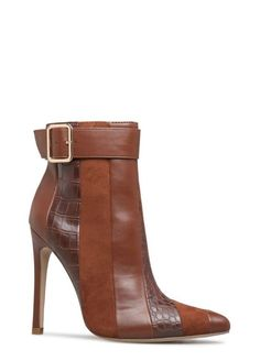Of The Best Fall Booties from 41 of the Trending Fall Booties collection is the most trending shoes fashion this season. This Fall Booties look related to shoes, footwear, womenshoes and heels was. Heeled Boots, Bootie Boots, Shoe Boots, Ankle Bootie, Pretty Shoes, Beautiful Shoes, Fall Booties, Fall Shoes, Hot Shoes