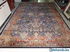 """Dit oosters tapijt """"Kashan"""" is met de hand geknoopt en met garantie-certificaat Afmetingen 355 x 250 VASTE PRIJS = 350€ In zeer goede staat!!!"""