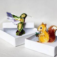 Б е л о ч к а и к о л и б р и Еще раз хочу показать эту рыженькую красавицу и колибри невероятной красоты Вот думаю: может сделать еще коалу на веточке?