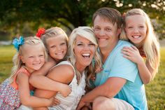 Louisville Family Photographer. Family Photos. Sisters. Siblings