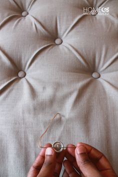 tufting from the back to front - DIY-Diamond-Tufted-headboar Diamond tufted headboards are stunning but so prohibitively expensive. Learn the easiest method to make your own DIY Diamond Tufted Headboard for… Homemade by Carmona brings you this amazing h Diy Tufted Headboard, Diy Headboards, Headboard Ideas, Tufting Diy, Homemade Headboards, Tufted Chair, Chair Bench, Chair Upholstery, Furniture Projects