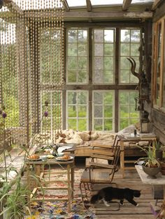 Boho chic deco in spaces with a maximum of natural lighting. Ideas for decorating boho deco chic by taking advantage of light, colors and textiles and more. Outdoor Rooms, Outdoor Living, Indoor Outdoor, Sunroom Furniture, Furniture Ideas, Cheap Furniture, Boho Deco, Porch Wall, Porch Area