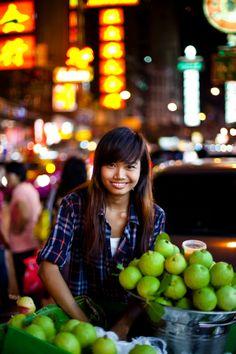 Asian beauty at Bangkok market // image by HARRY-MARX.COM