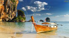Papel de Parede Barco na Praia
