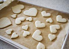 very good vanilla bean almond sugar cookies. want to try as lemon sugar cookies