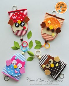 Key cover ^^ Small Sewing Projects, Projects For Kids, Fabric Crafts, Sewing Crafts, Key Pouch, Key Covers, Diy Keychain, Sewing Appliques, Diy Home Crafts