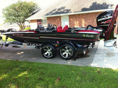 Eyra Bass Boat Ideas, Bass Fishing Boats, Flat Bottom Boats, Boat Projects, Bowfishing, Power Boats, Jet Ski, Water Crafts, How To Look Better