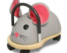 Wheelybug RATÓN (tamaños pequeño y grande). Lo encontrarás en http://sapaburu.com/tienda/?s=wheelybug&post_type=product