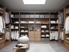 closet, armario vestidor a tres paredes con doble armario rinconero, espacio para todo www.moblestatat.com horta guinardo barcelona
