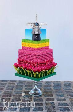 From Kidacity - Tulips & Windmill cake