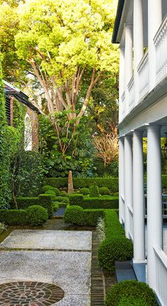LatteLisa: Garden design: an Old South charm in Charleston