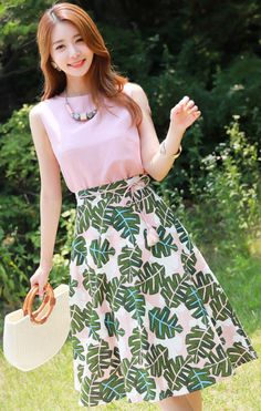 StyleOnme_Tropical Leaf Print Flared Skirt #feminine #summerlook #koreanfashion #kstyle #kfashion #seoul #cute #elegant #skirt